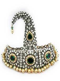 Sirpech set with Emeralds