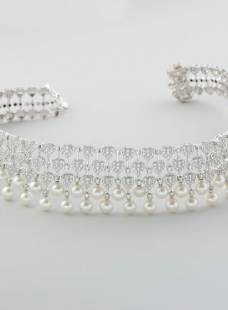 Collar Set of Diamond with Pearl Hanging